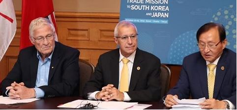 어니 하더맨(왼쪽부터) 농림축산부 장관, 빅 피델리 경제개발부 장관, 조성준 장관