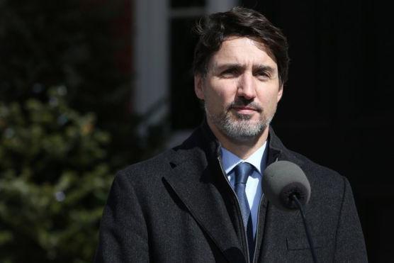 외국인 입금금지 발표를 하고 있는 캐나다 져스틴 트뤼도 총리 [유튜브 캠쳐 영상]